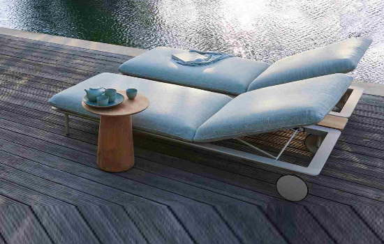 SUN LOUNGERS AND ACCESSORIES