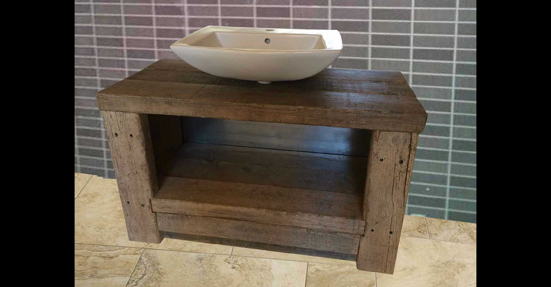 Coolwood muebles originales de gran formato de madera for Muebles con madera reciclada